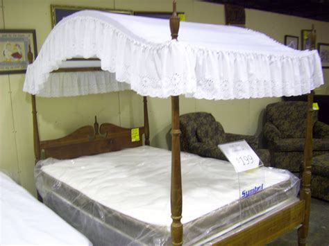 white canopy bed full full size canopy bed ethan allen heirloom nutmeg full size canopy bed 697 full size