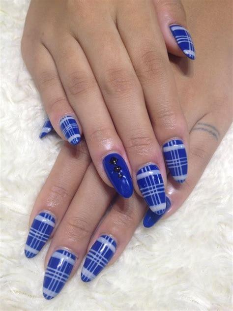 plaid pattern nails blue and white plaid nails hair makeup and nails