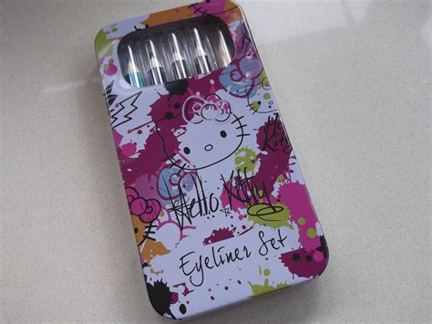 Hello Set Swatch hello eyeliner set