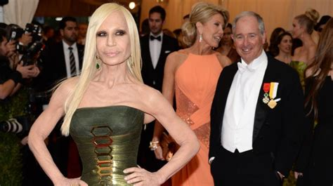 Donatella Versace Tells Clinton To Take by Donatella Versace To Be Honoured At The Fashion Awards 2017