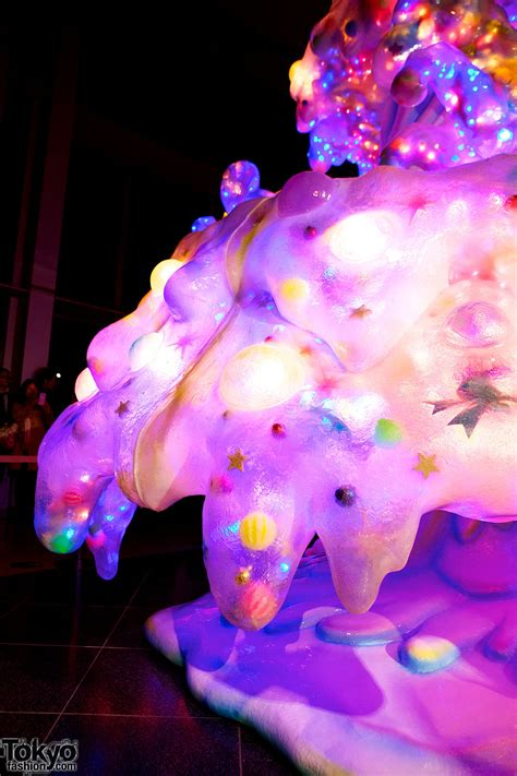 kawaii quot melty go round quot christmas tree debuts at roppongi