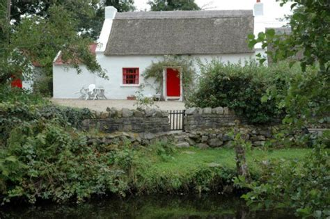 Donegal Cottage donegal traditional thatched cottages