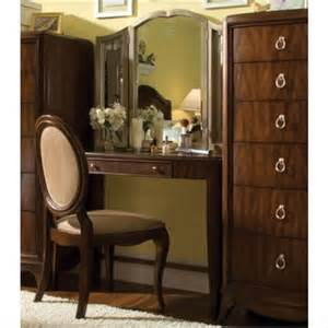 Vanity Set Luxury Home Design And Decorate A Classic Set Of Vanity And Luxury