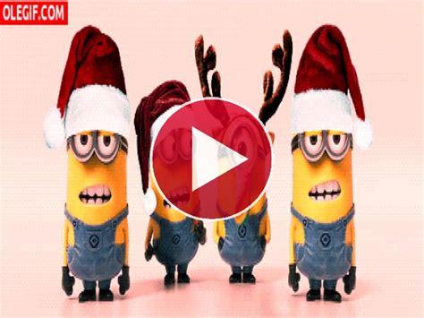 imagenes de feliz navidad minions gif estos minions se lo pasan genial en navidad gif 4189