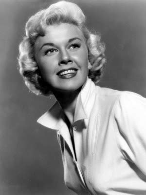 show me all hair styles of doris day love those classic movies in pictures doris day