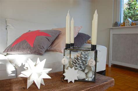Weihnachtsdeko Fensterbank Weiss by Weihnachtsdeko In Wei 223 Grau Und Rosa Roomilicious