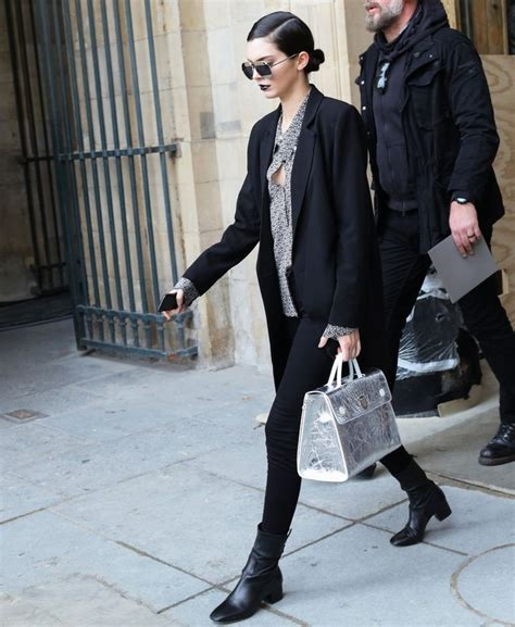 libro paris street style a 14 best images about europe fashions on her hair black and black and fashion