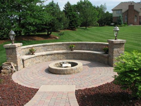 feuerstelle terrasse selber bauen feuerstelle bauen steine diy feuerstelle selber bauen 60