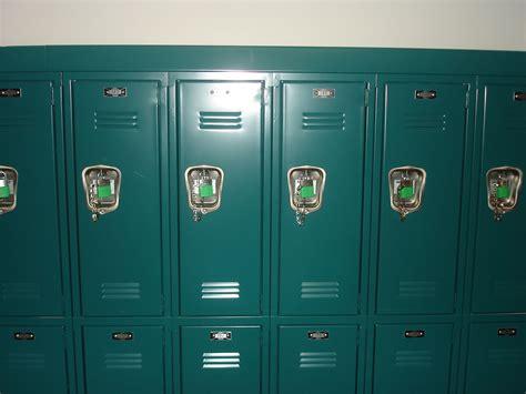 locker images usseek
