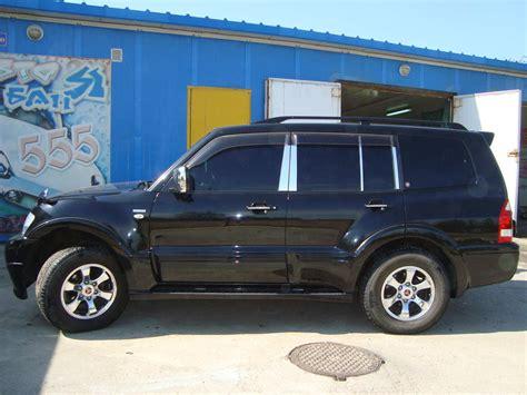 mitsubishi shogun 2005 2005 mitsubishi pajero pictures 3 5l gasoline
