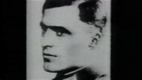 hitler biography channel adolf hitler military leader dictator biography com