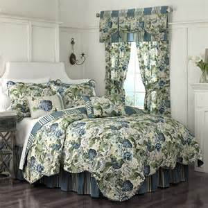 Waverly floral flourish reversible bedding quilt collection