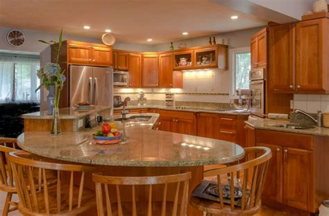 Kitchen Island Cherry Wood 99 Best Cherry Wood Cabinet Kitchens Images On Pinterest Cherry Wood Cabinets Granite