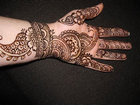 pakistan cricket player simple arabic henna design pakistan cricket player arabian henna designs