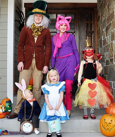 halloween themes for families 20 cute funny family themed halloween costume ideas