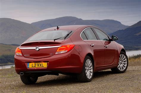 vauxhall insignia wagon vauxhall insignia hatchback 2009 photos parkers
