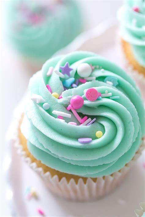 vanilla nutella cupcakes frosting sprinkles pastel cupcakes   nutella cupcakes