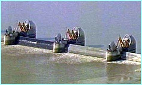 thames barrier how often is it used cbbc newsround floods why was the thames barrier built