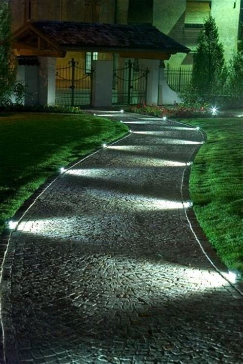 Landscape Rope Lighting 25 Best Ideas About Walkway Lights On Solar Walkway Lights Rope Lighting And