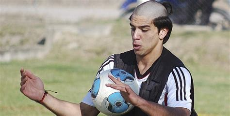 diego simeone hairstyle 28 of the very worst haircuts in football history