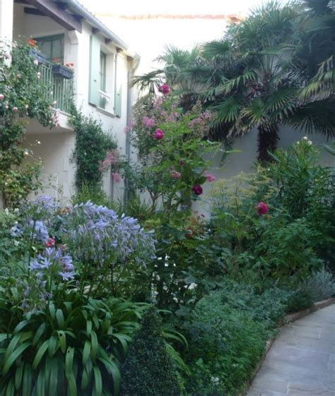 Courtyard Garden Design   The Enduring Gardener