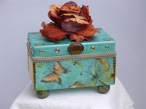 Decorative Wood Boxes by 11 Simple Decorated Wooden Boxes Ideas Photo Tierra Este
