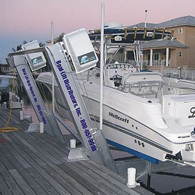 qab boat lift what size boat lift the hull truth boating and fishing