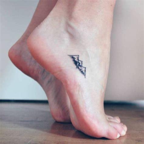 minimalist tattoo scotland best 25 simple mountain tattoo ideas on pinterest