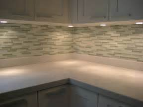 Glass Kitchen Backsplash by D I Y Saturday 11 Installing A Glass Tile Backsplash