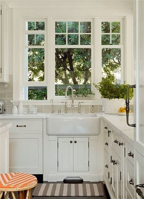 kitchen design with windows best 25 kitchen sink window ideas on kitchen