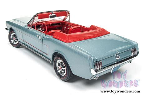 Auto World 1 18 American 1965 Ford Mustang Gt Amm1093 1965 Ford Mustang Convertible Amm1103 1 18 Scale Auto