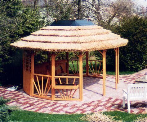 pavillon rundholz gartenlaube grilllaube und pavillon aus holz offen
