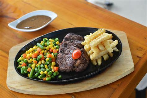 Iga Saus Plum Vegetarian pavilion resto cafe nikmati view teluk lung dan menu lezat yopie pangkey