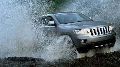 2011 Jeep Grand Safety Rating 2011 Jeep Grand Earns Top Safety From Iihs