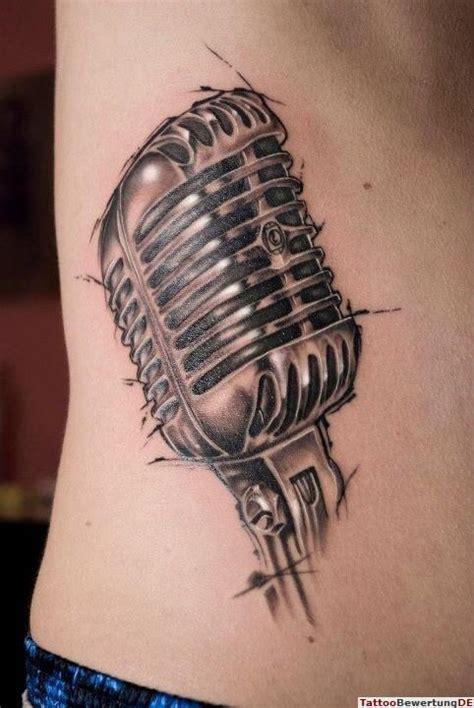 tattooed heart mic feed tattoo gro 223 es microphone am bauch tattoos