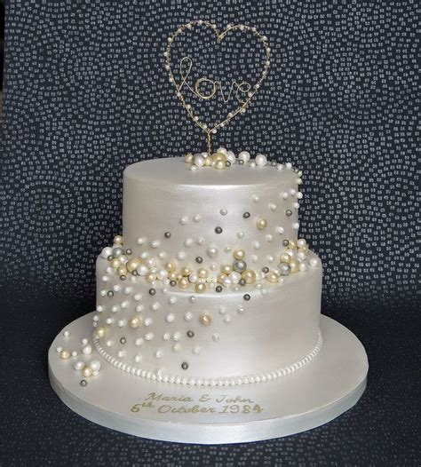 Pearl Anniversary Cake with handmade gold and pearl love
