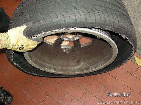 Motorrad Reifen Platzt by Pict0242 Bei 250 Kmh Reifen Geplatzt