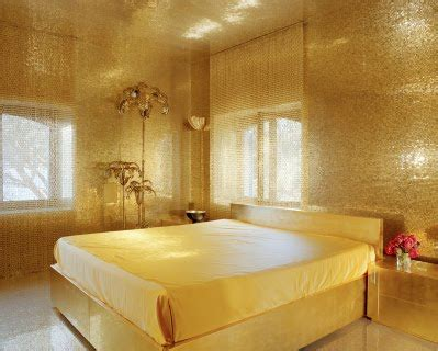 gold walls bedroom golden bedroom decor ideas