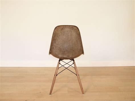chaise charles et eames fibre de verre original verte