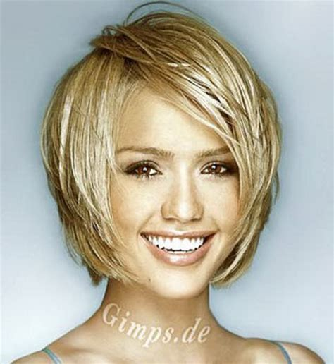 complimenting hairstyle cute short hairstyles for women