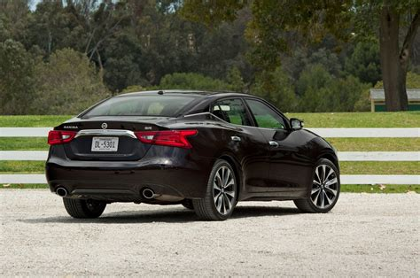 nissan maxima hybrid 2016 2016 nissan maxima reviews and rating motor trend