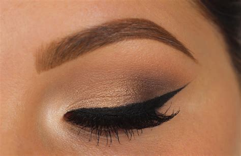 Eyeshadow Soft by Soft Eyeshadow W Bold Wing Makeup