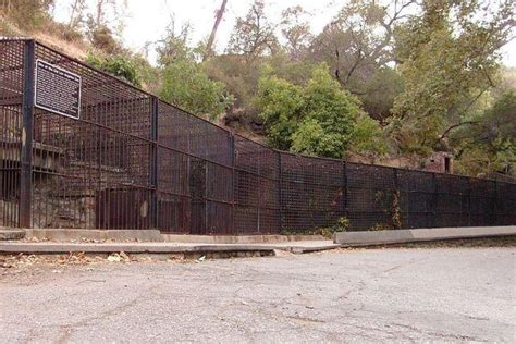 7 Eerie Abandoned Zoos And Wildlife Parks Urban Ghosts Media Guide To La Zoo Lights In Griffith Park Los Angeles