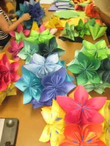 Easy Folded Paper Flowers - easy paper origami flowers crafts summer