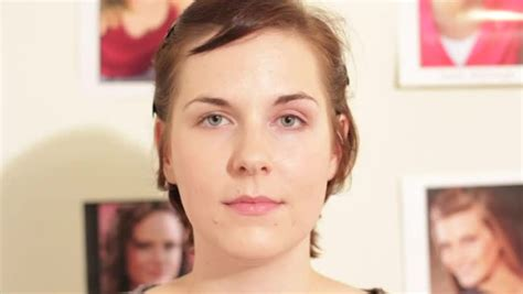 how to apply makeup to hide jowls and fatten cheeks video how to use makeup to remove the bump on your nose