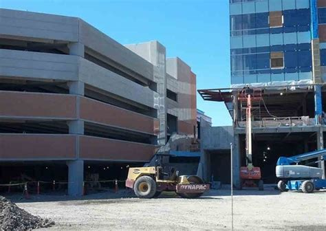 Chestnut Parking Garage by Blakeslee Projects