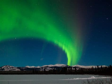 Northern Lights Viewing At Sundog Retreat Yukon Viewing Lights