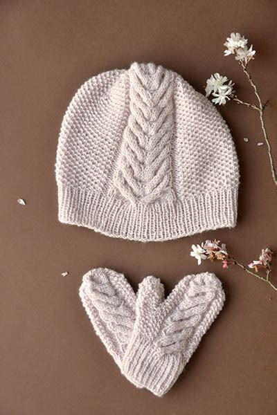 Bee Knit Hat free knitting patterns for children hats patterns