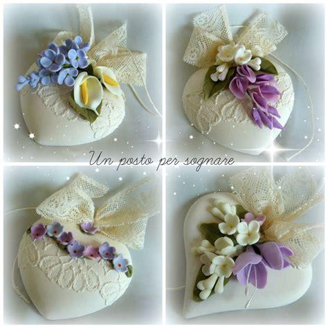fiori in pasta di mais delicati cuori in gesso profumato e fiori in porcellana