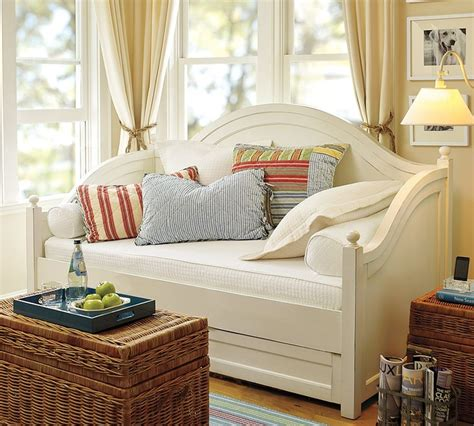 day bed with trundle for miss